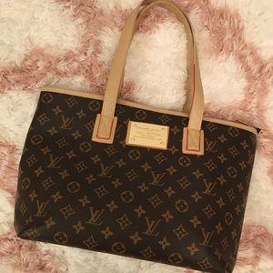 Louis Vuitton Faux Handbag Like New